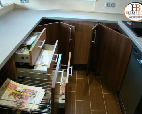 Egyedi konyha készítés, egyedi szekrények és polcok készítése